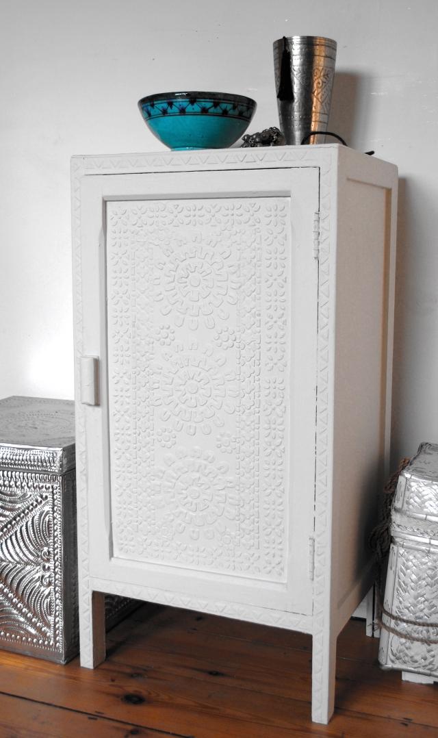 Relief cupboard 2