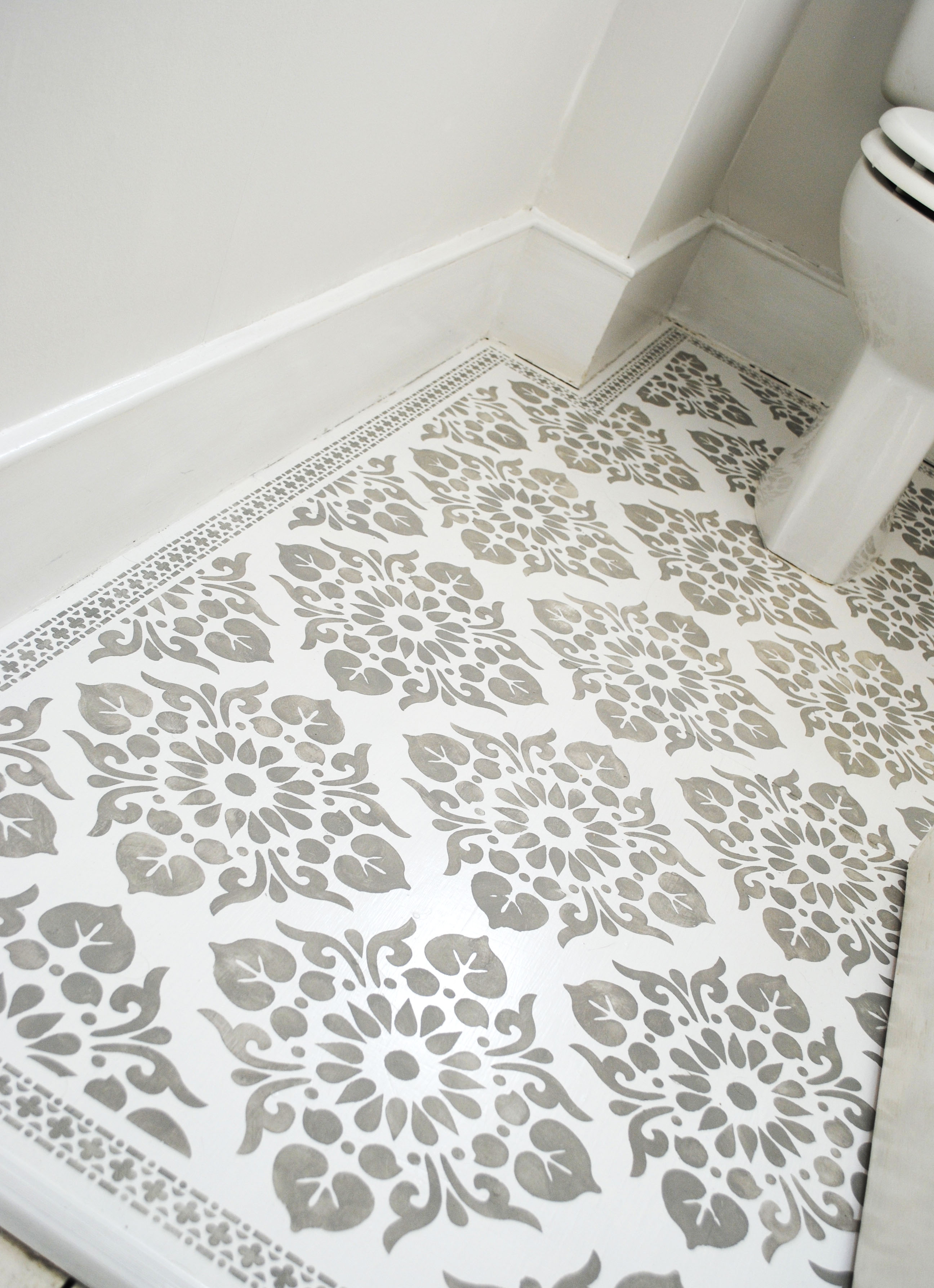 A Stencilled Floor – Decorate Decorate
