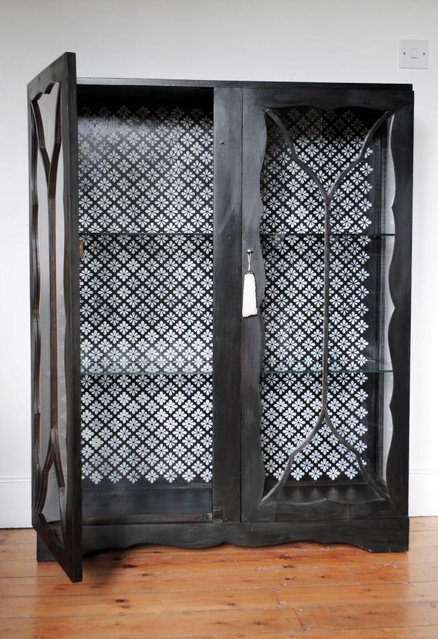 agra cupboard 6