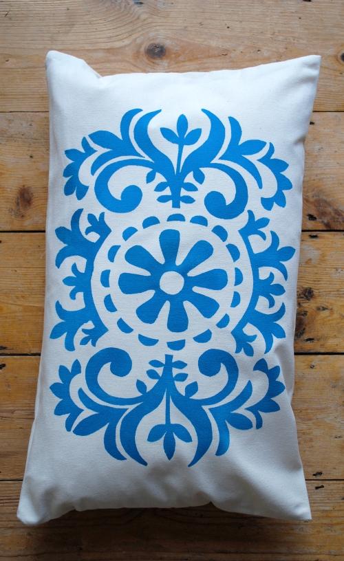 blue cushion 2